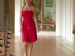 Alison Angeli Una sexy di Vestito rosso funge