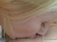 Pétillante Blondines Jeux avec ses Toys Le sexe