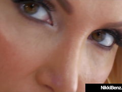 Benz BlowJob Ever! Nikki Benz succhia cazzo POV!