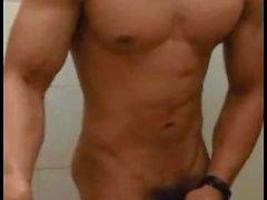 Горячее мускулистый индонезиец мальчиком дрочу во веб-камеру