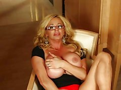 Rachel Aziani wants you to cum!