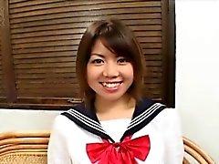 Cornea ragazza asiatica travestito da il college