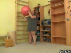 Ze neukt haar fitness instructeur