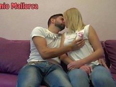 Peguei uma garota ucraniana e eu beijei-a apaixonadamente (ASS trepidação)