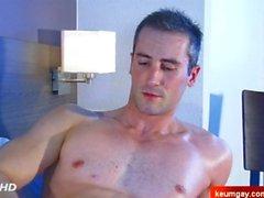 Mein sexy str8 Nachbar bedient in einem Homosexuell Porno trotz ihm