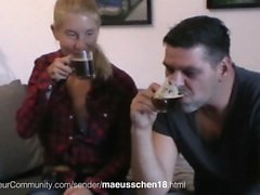 Deutsch Amateurin beim Sex
