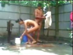 bangladesí Jodido de la India sexo Outdoor bath