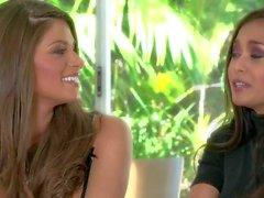 Attraente Bellezza del Brunette i capelli tempo Madelyn trovi un'intervista