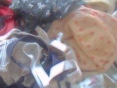 Бюстгальтеры & Сперма По струи ( медленное движение )