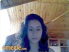 Turkse jonge aantrekkelijk meisje tonen slechts beha