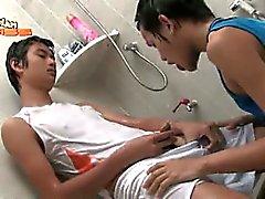 К гомосексуалистам Азии Piss 20