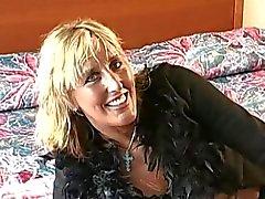 francés Madres para Coger juguete chocho y luego mamando una verga