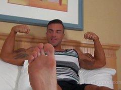 Tickling Muscle huy Braden Charron