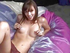 Alexis Capri Befriedigung mit Dildo und Finger