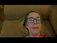 Donner une fille nerd deux éjaculations à Las Vegas americanteencam