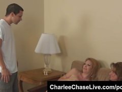 Sluttiest MILF Charlee Chase Hot 3way Fellation de Tampa!