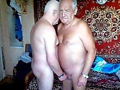 2 Los abuelos masturba