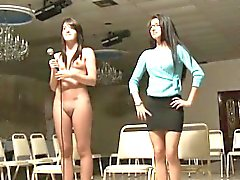 Confraternita lezzies freshie ottenere nudo ed esposta