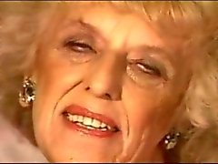 1990 Приблизительно бабушка ( Нет звука)