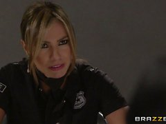 Esperanza Gomez Mektup The Naughty Kop olan