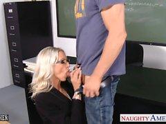 Enseignants Sex Emma de Starr prendre bite dans la classe