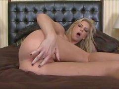 Brooke baner - Na Na - för musikvideo