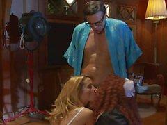 Nikki Daniels e Puma Swede di succhia cazzo orgia