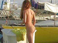 Andie von Valentino blink öffentlich Nackt !