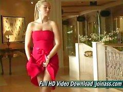 Alison Angel einem sexy roten Kleid funktioniert wie ein Fashion Model