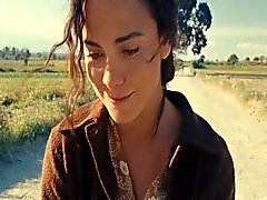 Alice Braga - On the Road