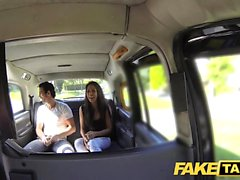 Fake Taxi alta belleza española folla su bf en la espalda