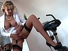 Cheating english mature gill ellis reveals her huge boobs