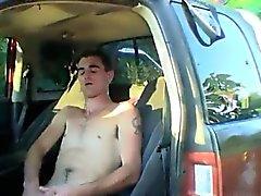 Jugendlich emo Homosexuell Clips Pissen Im Freien Bei Herzog