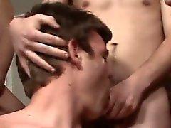 К гомосексуалистам групповое семяизвержение на лицо порно с нервную Натаном