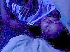 Pik zuigen Thais meisje krijgt haar strakke lul geboord op bed