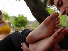 Foot babes Zehen cummed