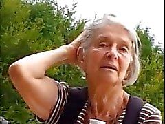 Pelicula - Granny in el parque de