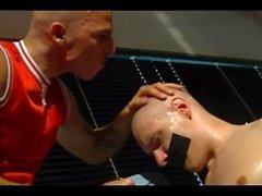 Skinhead-Paar rasieren, pissen, ficken und saugen