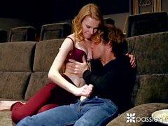 Passion-HD flaco ruso Catarina Petrov follan en el hogar sala de cine