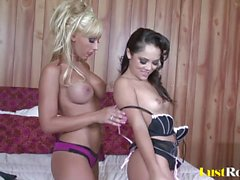 Hot pussy-pleasing with lusty Jessica Lynn and Kristina Rose