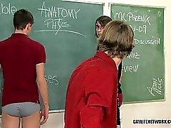 Bellezas homosexuales detenciones se convierte en culo azotaina locura