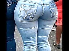 Milf reifes in den festen Jeans dicken Hintern Stumpf Mamma fette booty