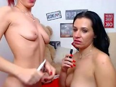 Amateur puttana francese giocando il culo in webcam