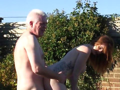 Fucking outdoors makes her reach an orgasm