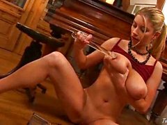 Piano girl Snow masturbating 5