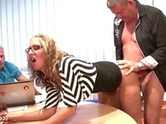 Two old Guys Fuck Teen with Glasses at Office - GERMAN RETRO - Sunporno Uncensored