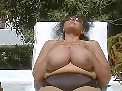 Duitse BBW- oma met enorme - Boobs Outdoors