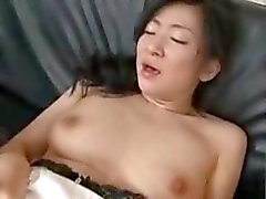 asiatique pipe brunette sperme