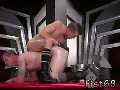 Muscle emo boy gay porn In an acrobatic 69, Axel Abysse rams