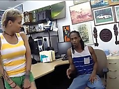 Pawnkeeper fucking girl of a black guy at the pawnshop